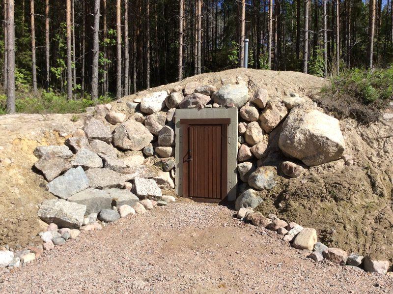Maakellari - Maakellari tarjoaa kuumallakin viilennystä erilaisille tarvikkeille.